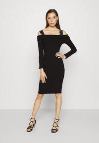 Guess - FABIANA  - Pletené šaty - jet black - 0