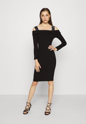 FABIANA  - Pletené šaty - jet black