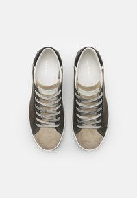 Crime London - Sneakers basse - taupe - 3
