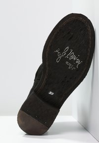 Felmini - GREDO - Classic ankle boots - black - 5