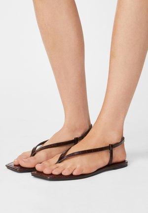 EVERYDAY MADDIE - T-bar sandals - choc