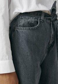 PULL&BEAR - Jeans a zampa - black - 3