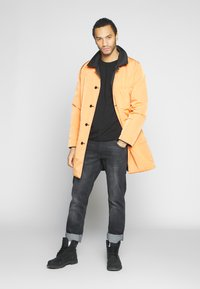 Weekday - MARTY REVERSIBLE JACKET - Short coat - black - 4