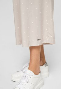 QS by s.Oliver - Tracksuit bottoms - beige dots - 4
