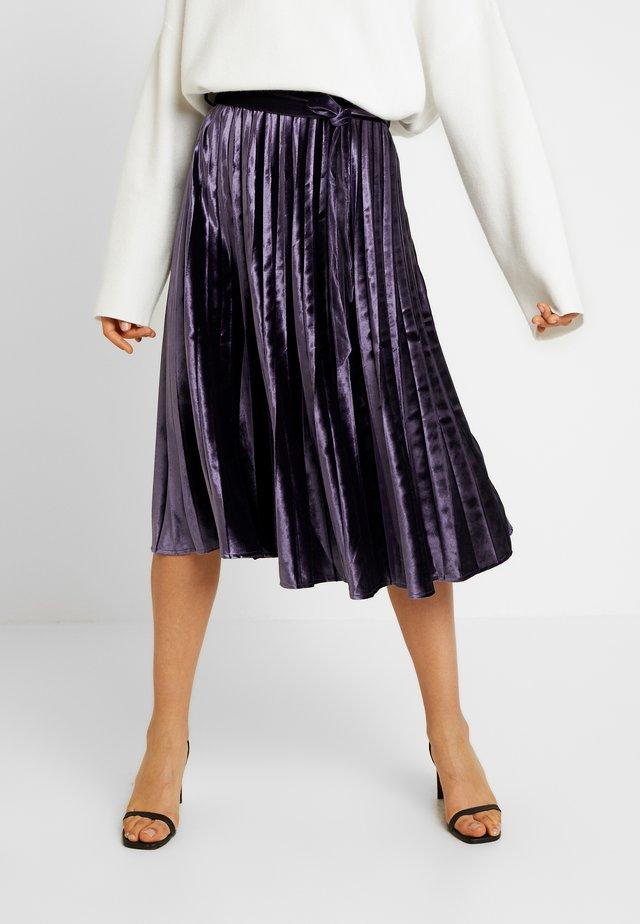 PLEATED TIE BELT MIDI SKIRT - A-snit nederdel/ A-formede nederdele - purple