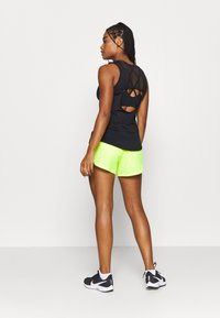 Nike Performance - AIR SHORT - Pantalón corto de deporte - volt/volt/black - 2
