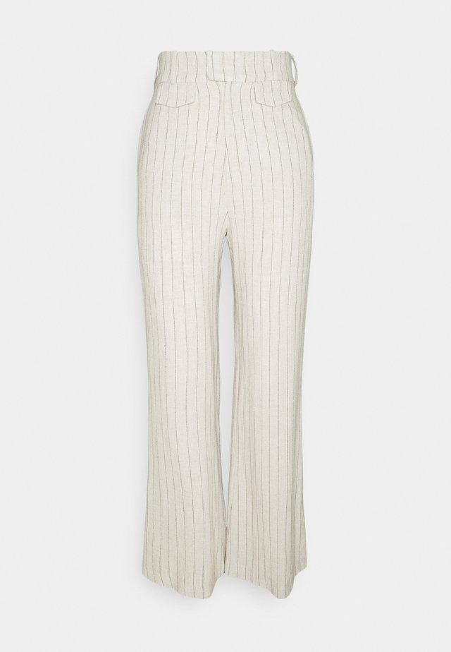 PICNIC STRIPE TAILORED TROUSER - Pantaloni - straw