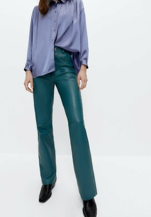 Leather trousers - green