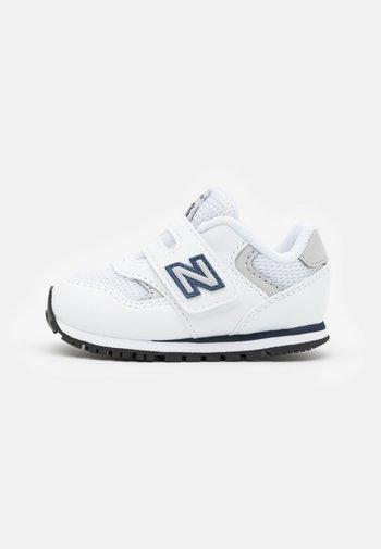 IV393CWN UNISEX - Zapatillas - white/navy