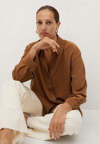 Mango - MADE - Button-down blouse - braun - 4