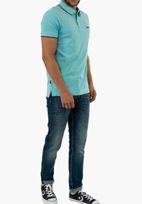Superdry - Polo shirt - bleu - 1