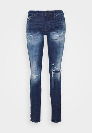 GRACEY-T - Slim fit jeans - destryoed denim