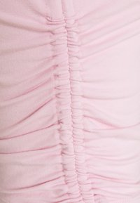 Hollister Co. - TEE CHAIN - Print T-shirt - light pink - 7
