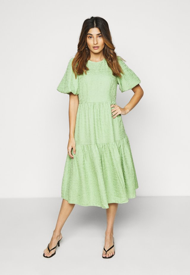 VMALLISON 2/4 CALF DRESS - Kjole - forest shade