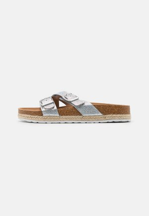 WIDE FIT FOXY DOUBLE BUCKLE FOOTBED - Domácí obuv - silver