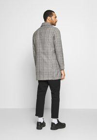 Only & Sons - ONSARCHER CARCOAT  - Trenchcoat - black/checks - 2