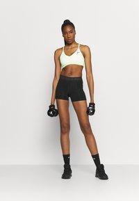 Nike Performance - SHORT FEMME  - Punčochy - black/white - 1