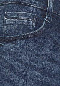 Mustang - OREGON  - Jeans Tapered Fit - denim blue - 5