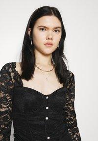 New Look - CARLEY DIAMANTE DETAIL - Blouse - black - 3