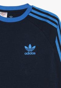 adidas Originals - Maglietta a manica lunga - collegiate navy/blue - 4