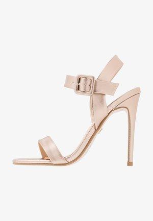 Sandaler med høye hæler - champagne