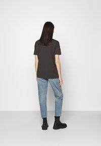 ONLY - ONLLU LIFE CARROT - Jeansy Straight Leg - light blue denim - 2