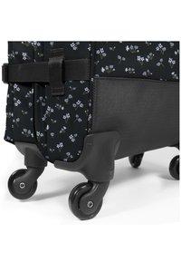 Eastpak - TRANS4 M - Wheeled suitcase - bliss dark - 5