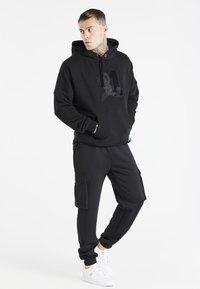 SIKSILK - SPACE JAM LOGO HOODIE - Sweatshirt - black - 1
