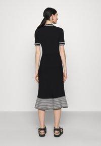 KARL LAGERFELD - FLAIR DRESS - Sukienka dzianinowa - black - 2