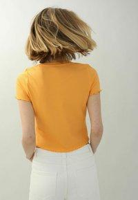 Pimkie - Print T-shirt - orange - 2