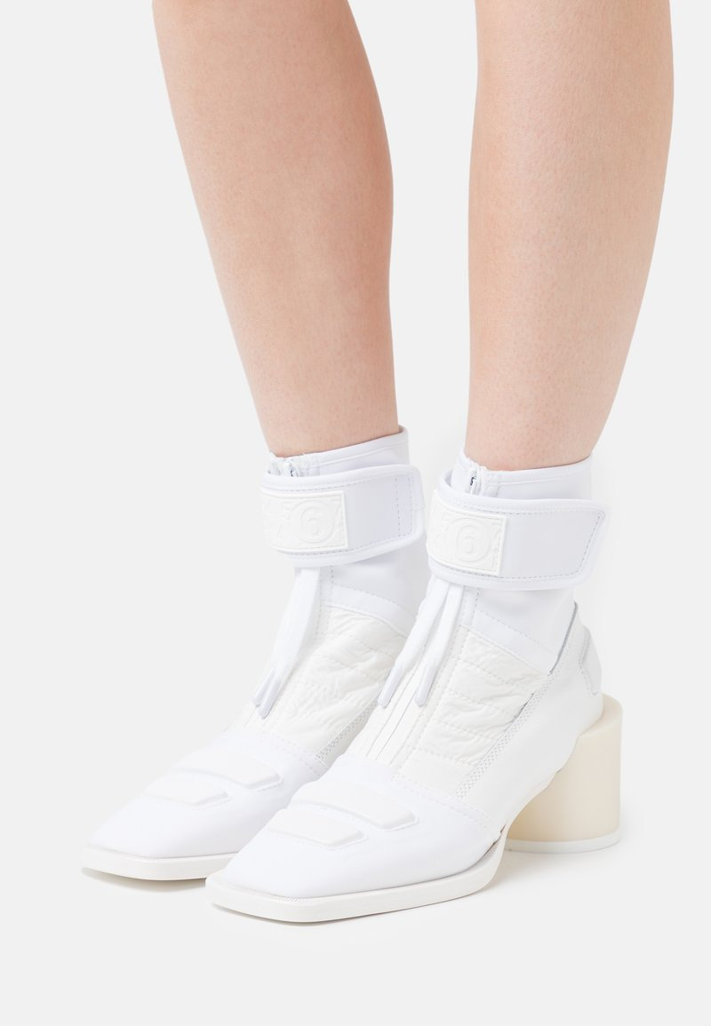 MM6 Maison Margiela - BOOT - Classic ankle boots - white