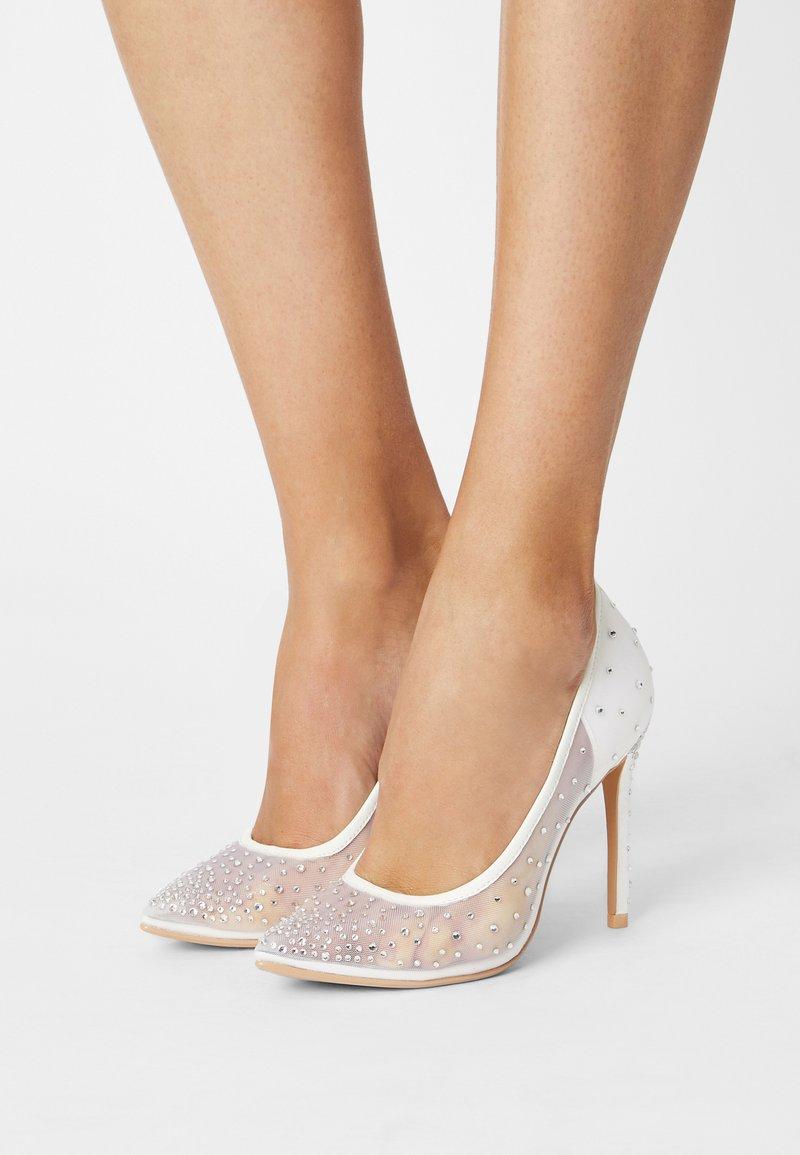 Buffalo - KLEO - Classic heels - ivory