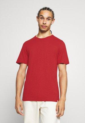 DELTA - Basic T-shirt - red ochre melange