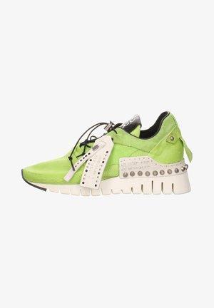 SNEAKER - Trainers - green