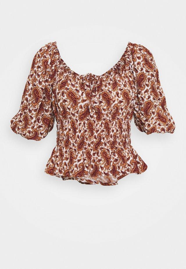 LIBERIA - T-shirt med print - burgundy