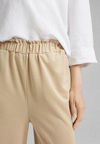 Esprit - CULOTTE - Trousers - sand - 3