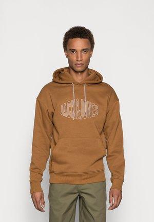JORWORLD - Hoodie - brown