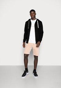 Jack & Jones - JJEHOLMEN - Zip-up sweatshirt - black/reg fit - 1