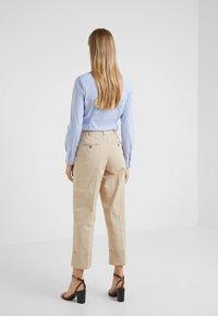 Polo Ralph Lauren - PIECE DYED - Pantalon classique - classic tan - 2