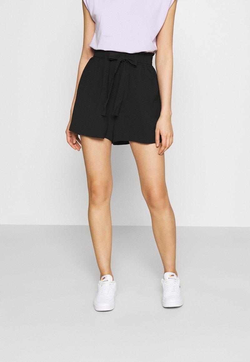 ONLY - ONLLAVENDER PAPERBAG - Shorts - black