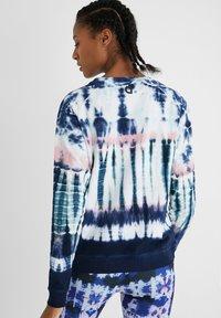 Desigual - CREWNECK  - Sweatshirt - blue - 2