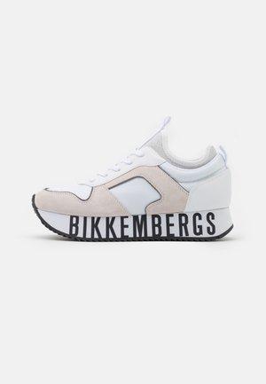 LATY - Sneakersy niskie - white
