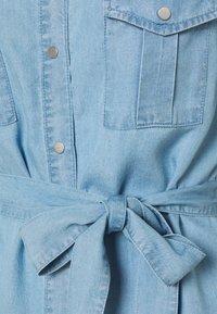 Vero Moda - VMSILJA SHORT SHIRT DRESS - Vestido vaquero - light blue denim - 2