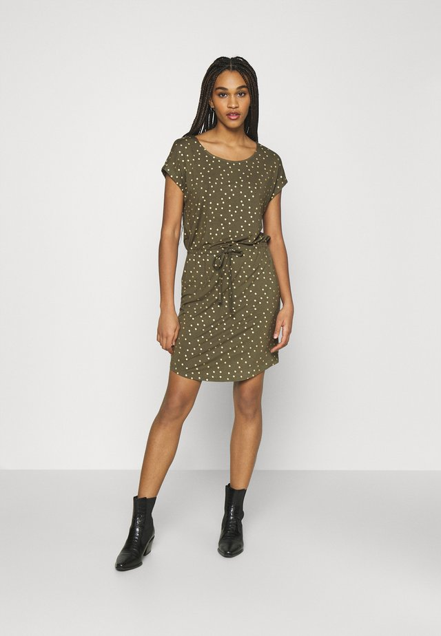 ONLMILLIE BELT DRESS - Jerseyjurk - kalamata/gold