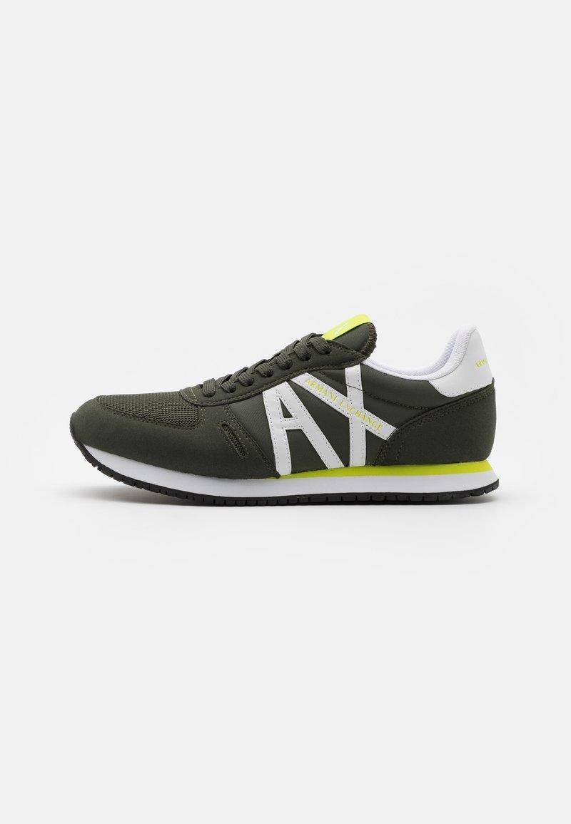 Armani Exchange - RETRO RUNNER - Sneaker low - fango/offwhite