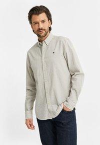 WE Fashion - SLIM FIT  - Shirt - off-white - 3