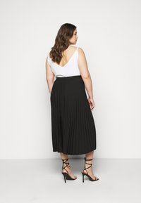 Selected Femme Curve - SLFLEXIS MIDI SKIRT - A-line skirt - black - 2