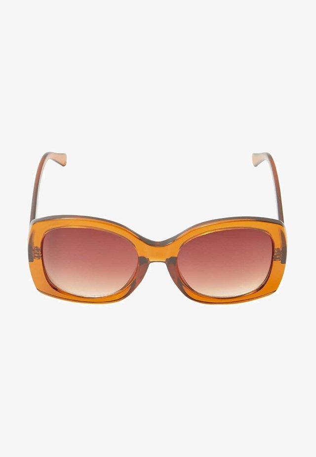 MIT SCHRIFTZUG - Sluneční brýle - brown