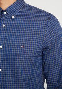 Tommy Hilfiger - SLIM GINGHAM DOBBY - Shirt - blue - 5