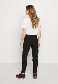 The North Face - WOMEN HIKESTELLER PANT - Outdoorové kalhoty - black - 2